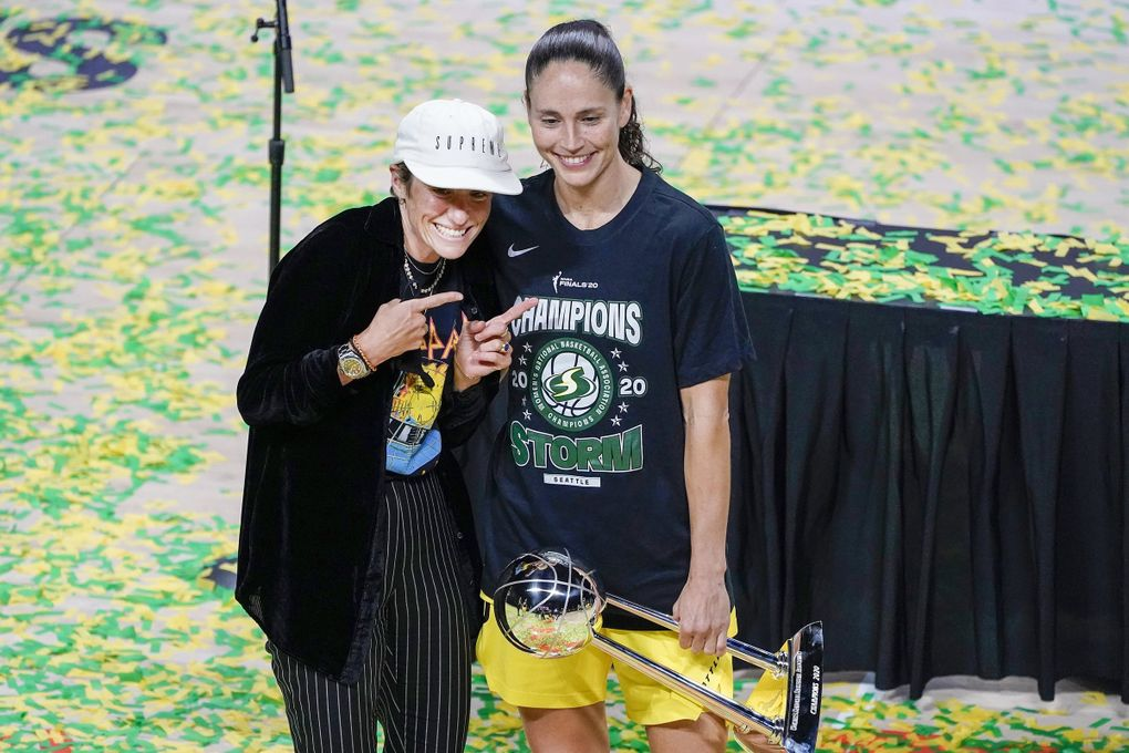 Seattle Storm guard Sue Bird, right, poses for a photo with girlfriend Megan Rapinoe after the Storm won basketball's WNBA Championship Tuesday, Oct. 6, 2020, in Bradenton, Fla.(Chris O'Meara / AP)