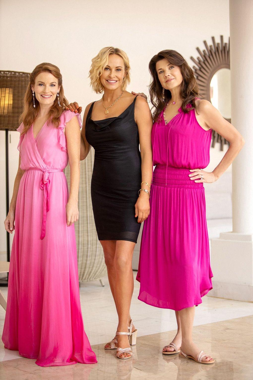 "Former ""Melrose Place"" co-stars Laura Leighton, Josie Bissett and Daphne Zuniga reunite on Fox's ""Fantasy Island."" (Courtesy of Fox)"