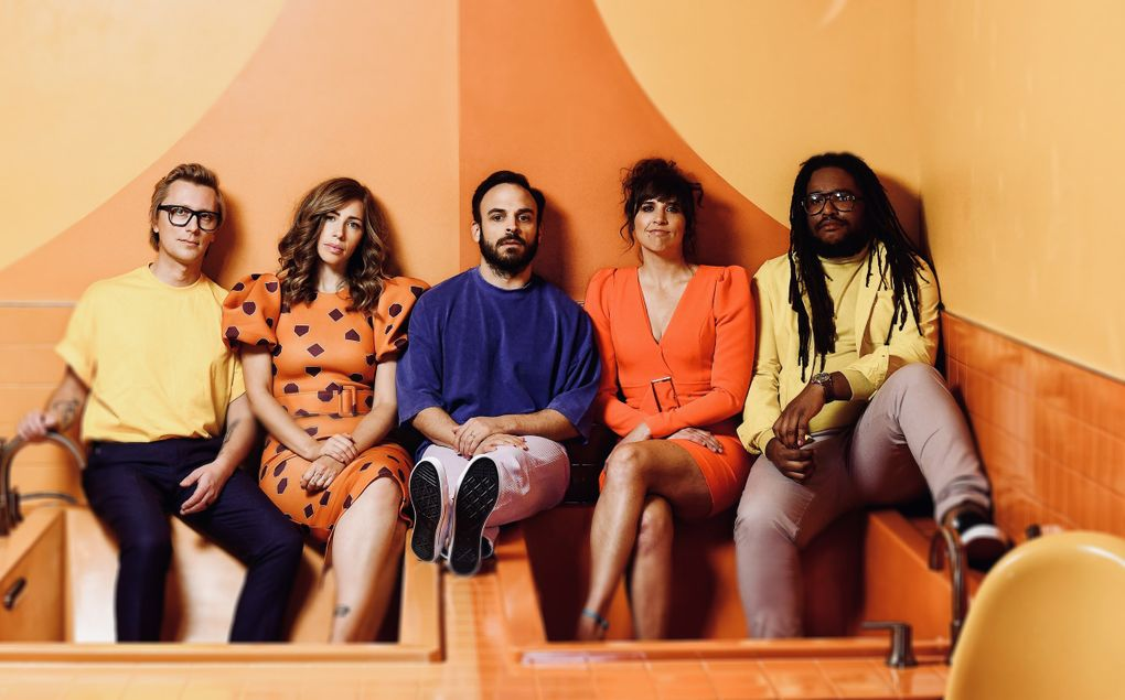 Lake Street Dive includes, from left: guitarist/trumpeter Mike Olson, singer Rachael Price, drummer Mike Calabrese, bassist Bridget Kearney and keyboardist Akie Bermiss. The group plays Chateau Ste. Michelle Sept. 18. (Shervin Lainez)
