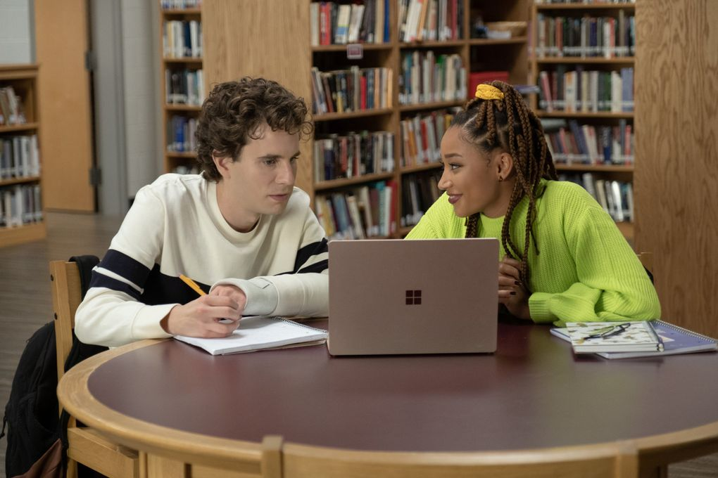 """Evan Hansen (left, played by Ben Platt) and Alana Beck (Amandla Stenberg) are the principal characters in """"Dear Evan Hansen,"""" directed by Stephen Chbosky. (Erika Doss / Universal Pictures)"""