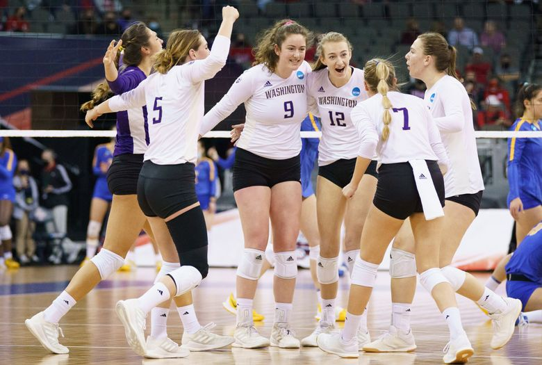 Washington Huskies volleyball went to the Final Four after they defeated Pittsburgh in the Division I Women's Volleyball Tournament in Omaha, Neb., April 19, 2021. (Mark Kuhlmann / NCAA Photos)