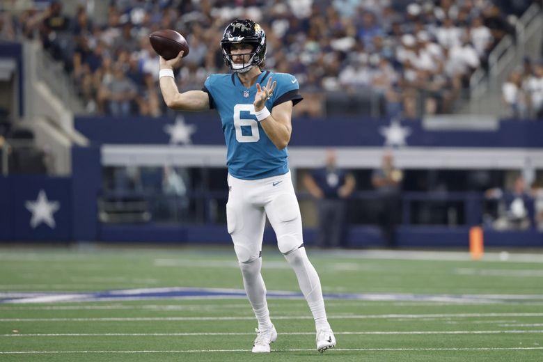 Jacksonville Jaguars quarterback Jake Luton throws a pass during a game against the Dallas Cowboys in Arlington, Texas, Aug. 29, 2021. (Ron Jenkins / AP)
