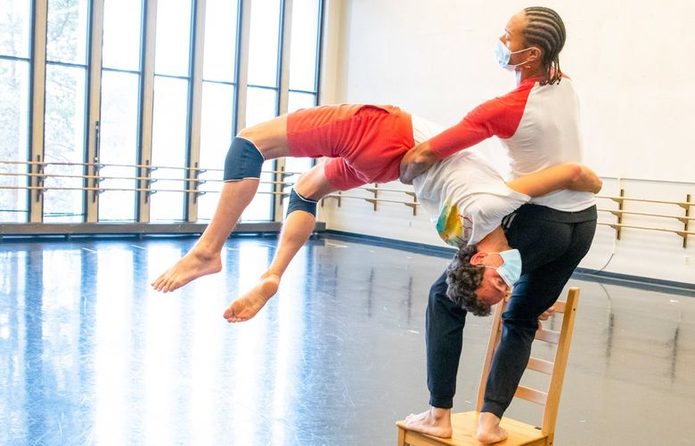 """Chamber Dance Company members Roel Seeber and Abdiel Jacobsen in Zvi Gotheiner's """"Chairs"""""""