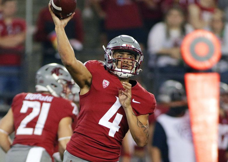 Washington State quarterback Jayden de Laura throws a pass during the second half of an NCAA college football game against Utah State, Saturday, Sept. 4, 2021, in Pullman, Wash. (Young Kwak / The Associated Press)