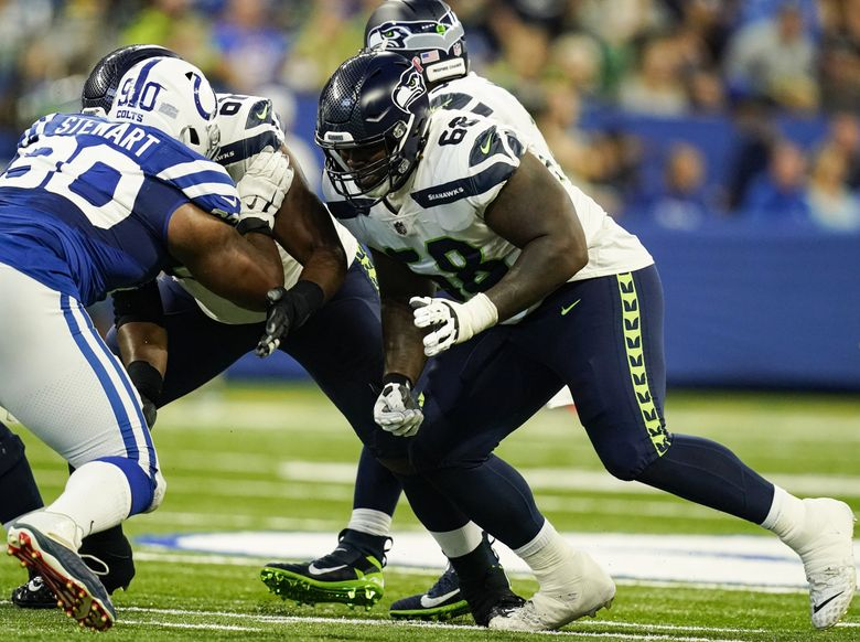 Seahawks guard Damien Lewis (68) plays against the Colts in Indianapolis, Sept. 12, 2021. (Charlie Neibergall / AP)