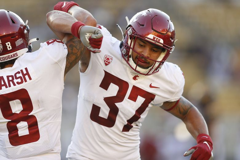 Washington State Cougars linebacker Justus Rogers celebrates after a play against California, Oct. 2, 2021 in Berkeley, Calif. (Lachlan Cunningham / AP)