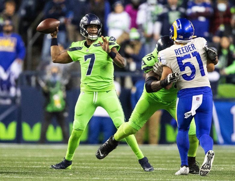 Geno Smith came on for the injured Russell Wilson in the third quarter. The Los Angeles Rams played the Seattle Seahawks in NFL Football on Thursday, Oct. 7, 2021, at Lumen Field in Seattle. (Dean Rutz / The Seattle Times)