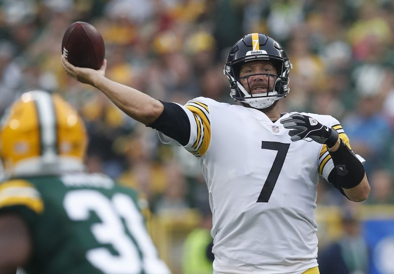 Pittsburgh Steelers quarterback Ben Roethlisberger (7) throws the ball against the Green Bay Packers during an NFL football game Sunday, Oct 3. 2021, in Green Bay, Wisconsin. The Packers won the game 27-17. (Jeff Haynes/AP Images for Panini)